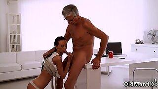 Viejos maduras besos finalmente ella tiene su jefe verga
