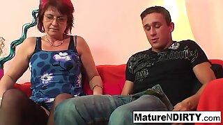 Punky пробит баба обича да смучат и майната
