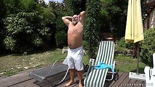 Grandpa fucks Viven Bell's teen cunt