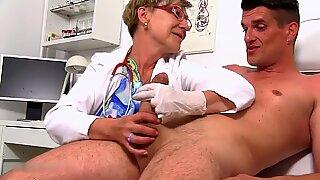 Доктор Антония теряет самообладание при виде необъятного