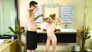 Blonde masseuse Angel Smalls nuru bathtub long cock