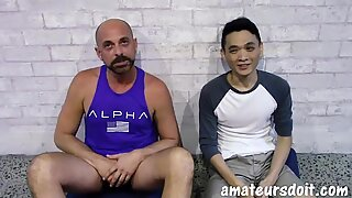 AmateursDoIt - Young Asian fucked bareback by daddy'_s cock