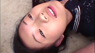 Inocente japonesas estudiante gangbang (follada múltiple) - japonesas bukkake orgía
