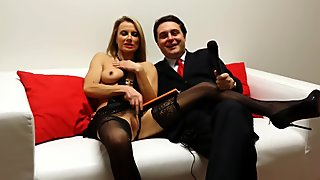 Federica Tommasi opens her vagina for Andrea Dipr