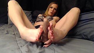 Kinky cum on my pretty feet- Size 10 milf feet