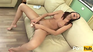 Brunette can't keep her hands to herself