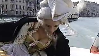 Anita Blonde in Venise