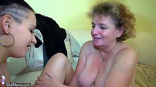 Abuelitas se masturban con joven pareja en la cama Oldnanny