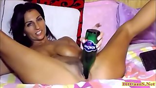 Bigtits latina masturbate with bottle