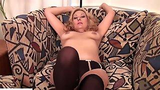 Curvy Wife Roxy Jennings Pussy Play