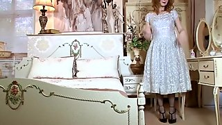 Vintage Redhead Plays With Pussy
