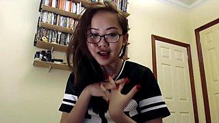 Busy teen Harriet Sugarcookie vlog