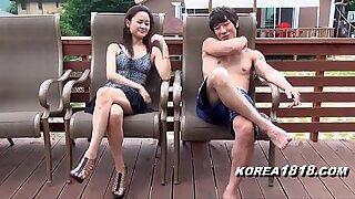 Korea1818.com - Molten COREANA FISGONEANDO DEBAJO DE LA FALDA AFACIAL