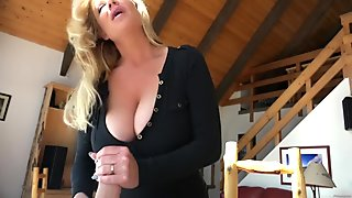 KELLY MADISON Wood Chuck Tug