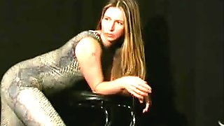 Cute spandex babe (clip)