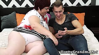 Fat granny mouth spermed