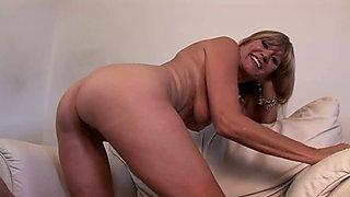 Hot Cugar Gets naked