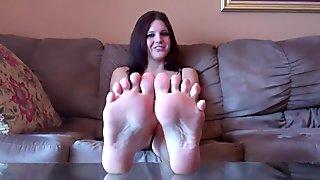 I need someone to worship my feet