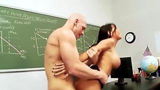 Student fucks his girlfriend during an exam