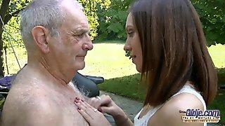 Vuotias nuori porno isoisä fucks teini hardcore isku