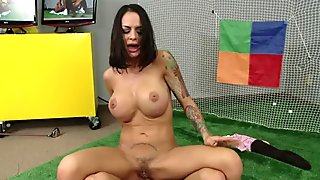 Horny brunette Angelina Valentine examines strong cock