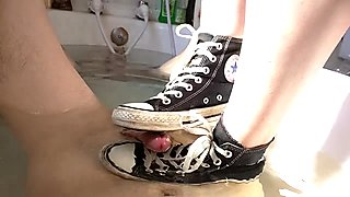 Under water footjob by Converse