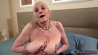 Abuelitas con big boobs