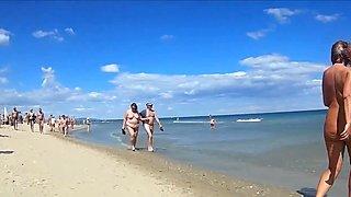 Desnudos en la playa delicias 3